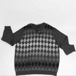 - New Roundtree &  Yorke Mens Gray Argyle Sweater